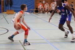 JBBL_19-20_BalticSeaLions_Rostock_Spieltag1_4krupnikas_offense_10_Azodiro_defense