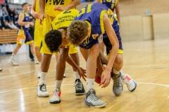 13.10.2019, Oldenburg, Sporthalle Haarenufer: JBBL | EWE Baskets Juniors - Phoenix Hagen Youngsters  //  Tyrell NWAKI (#7 EWE Baskets Juniors/JBBL), Lukas NOWAK (#19 Phoenix Hagen Youngsters/JBBL)  || Foto: Erik Hillmer