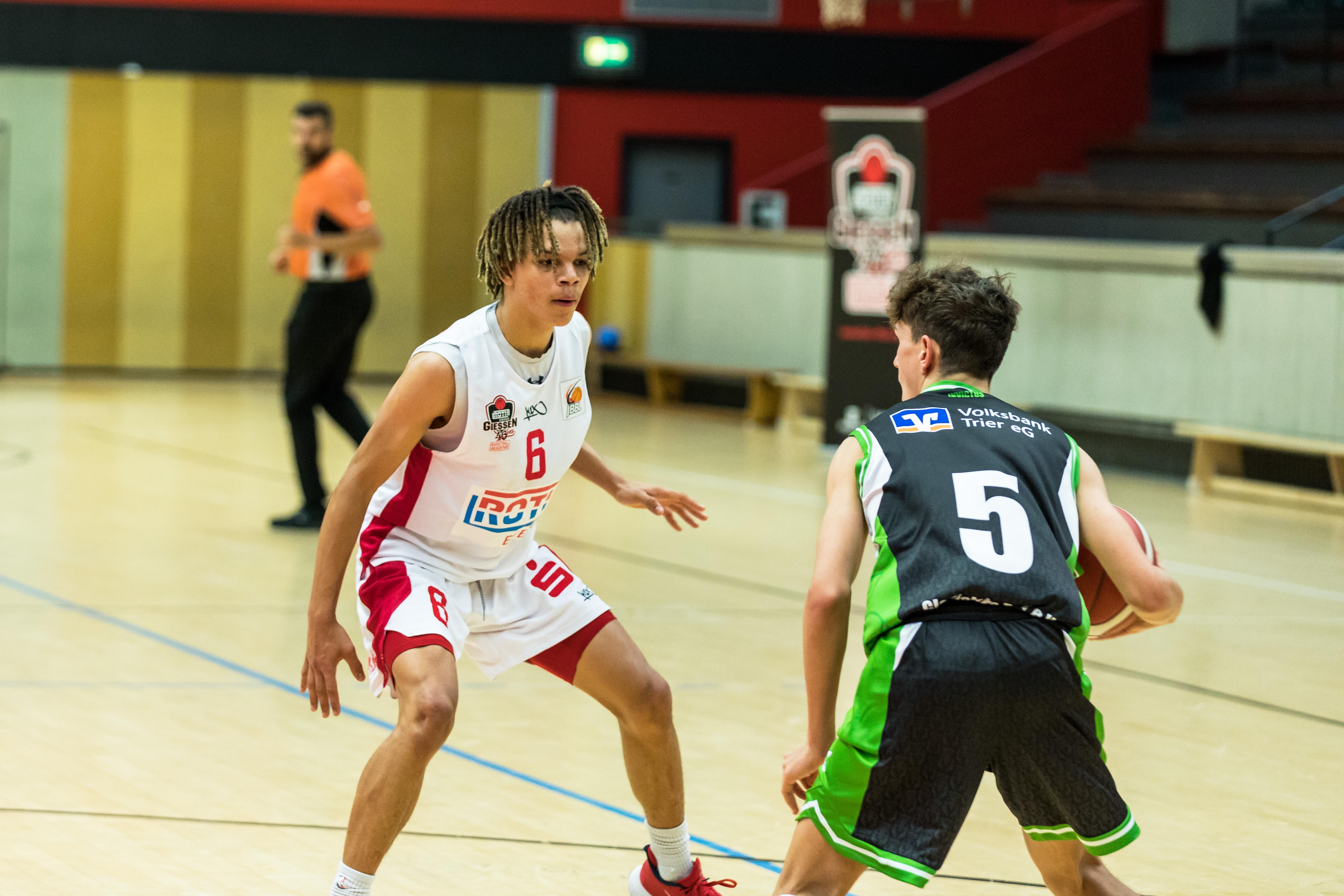 JBBL_20-21_Giessen_Trier_Spieltag2_Detwan-Andrews_2
