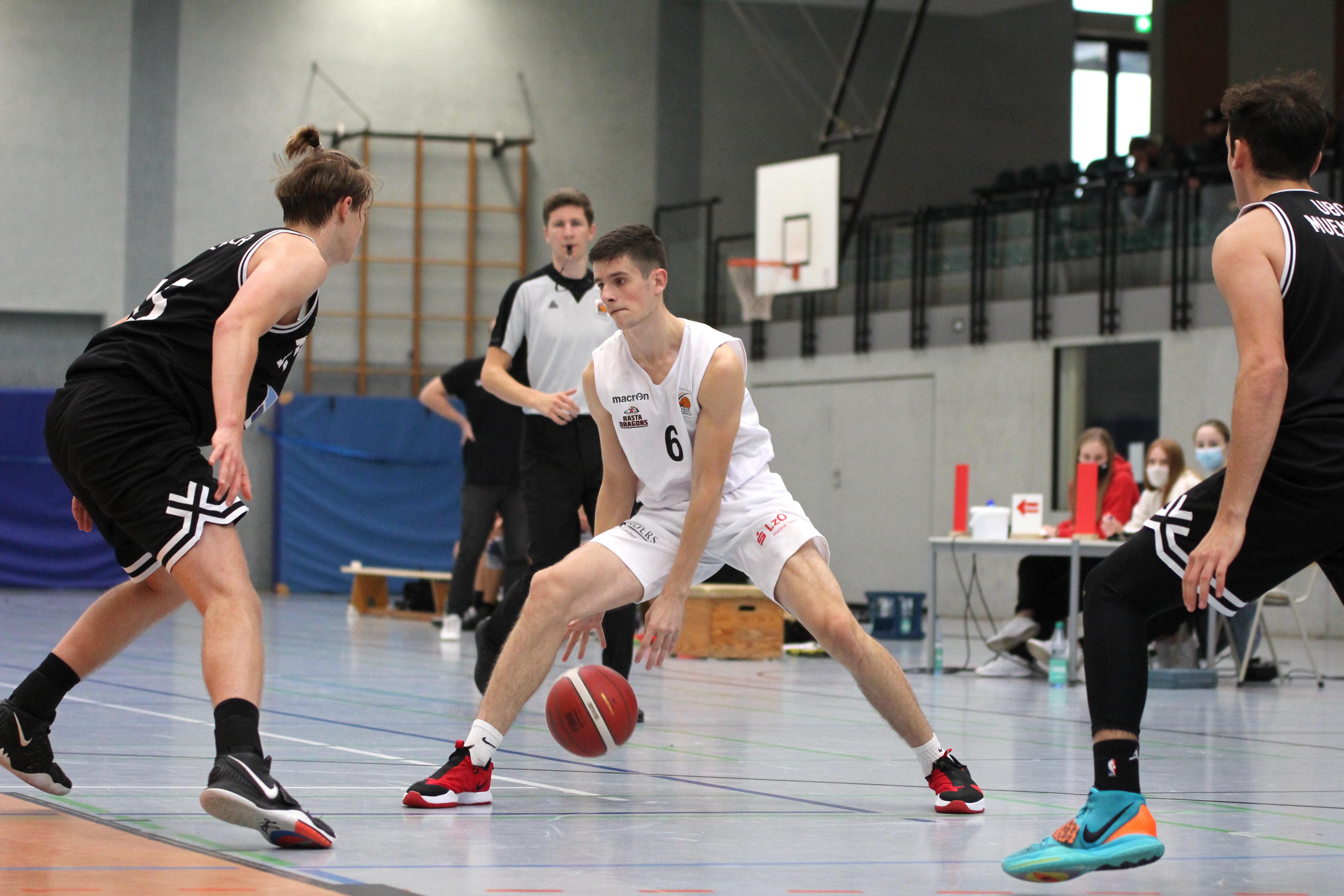 NBBL_20-21_YOUNG-RASTA-DRAGONS_Münster_Spieltag1_Emilijus-Peleda_4