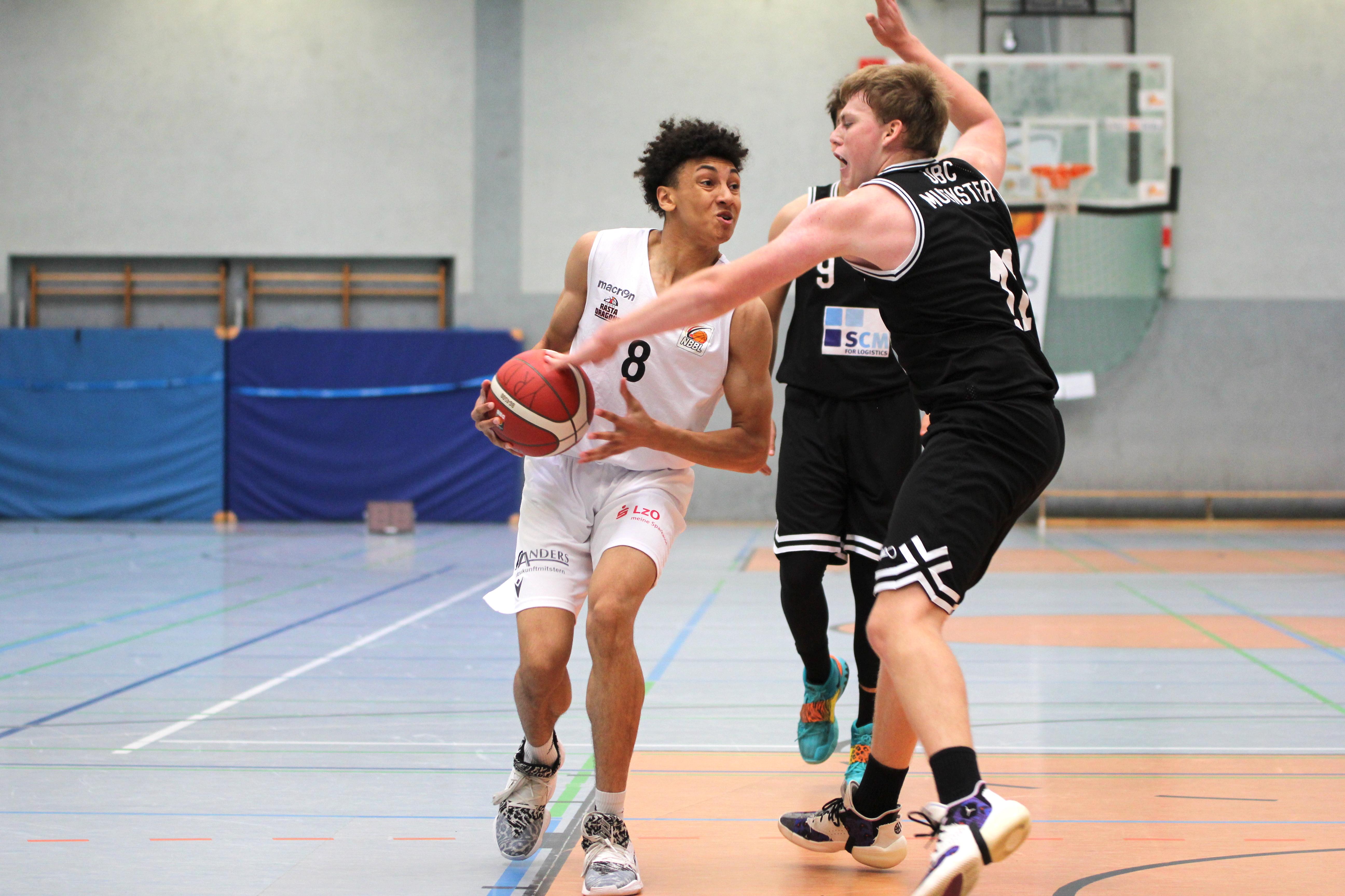 NBBL_20-21_YOUNG-RASTA-DRAGONS_Münster_Spieltag1_Justin-Onyejiaka_4