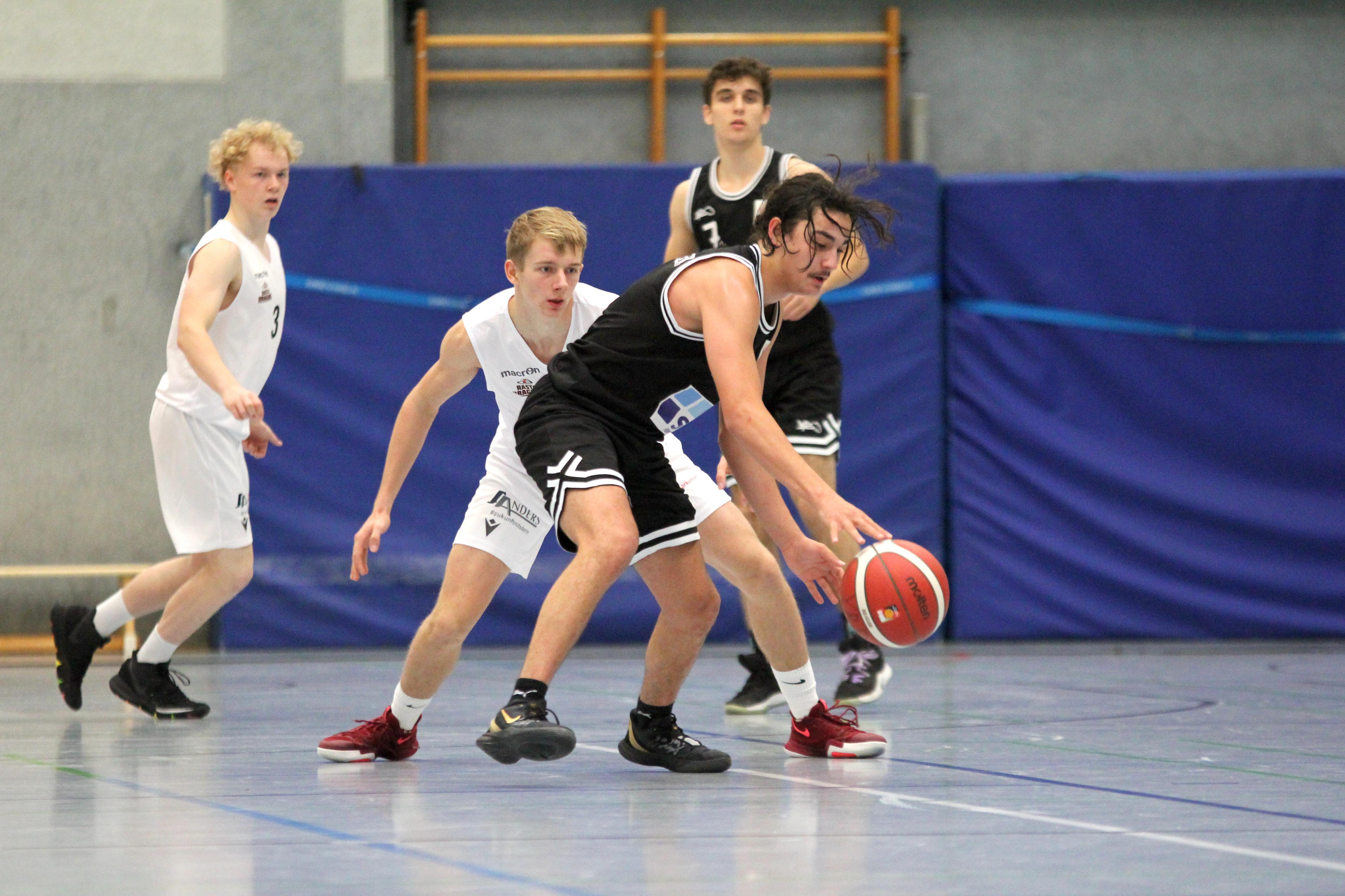 NBBL_20-21_YOUNG-RASTA-DRAGONS_Münster_Spieltag1_Marvin-Moeller