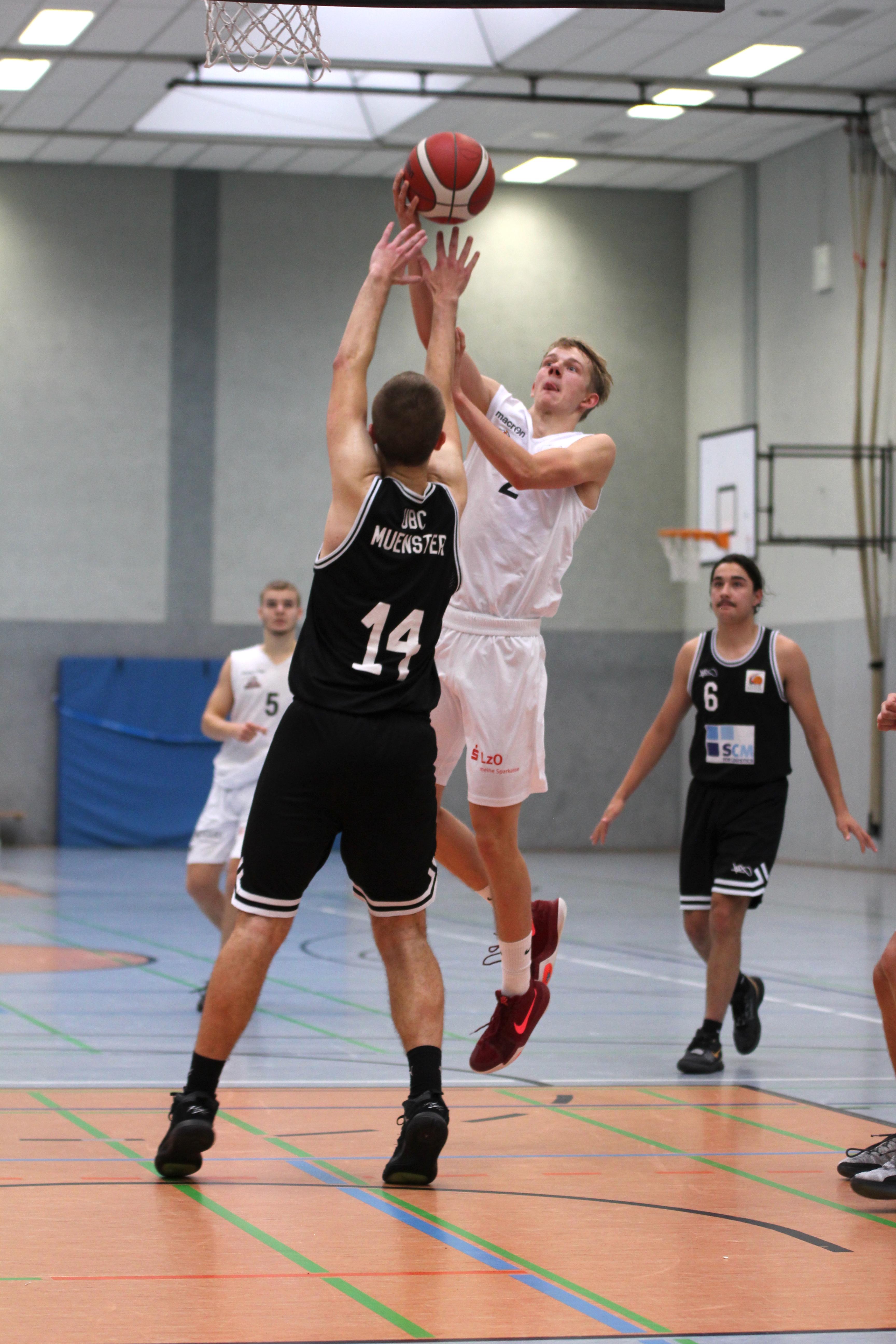 NBBL_20-21_YOUNG-RASTA-DRAGONS_Münster_Spieltag1_Marvin-Moeller_6