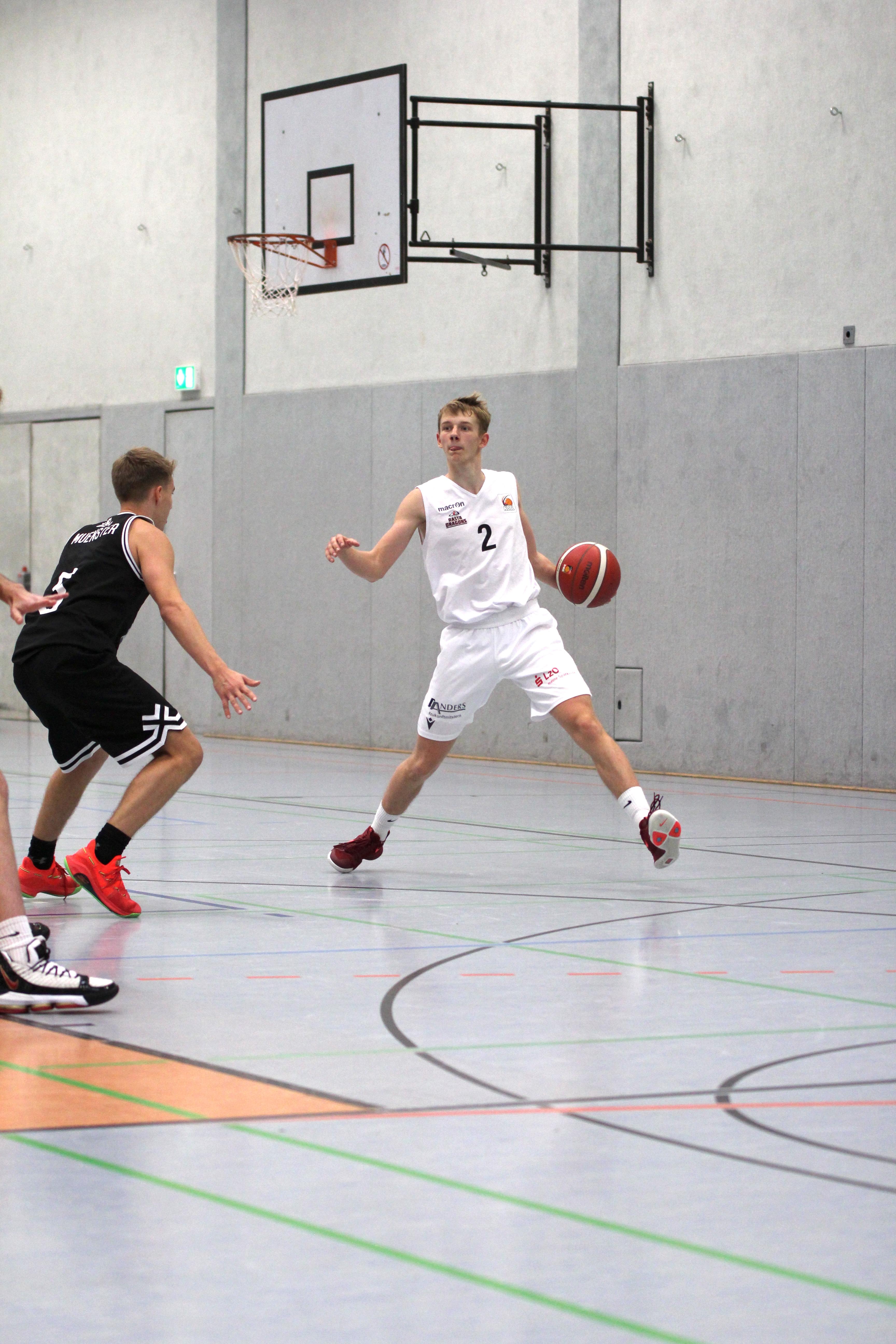 NBBL_20-21_YOUNG-RASTA-DRAGONS_Münster_Spieltag1_Marvin-Moeller_8