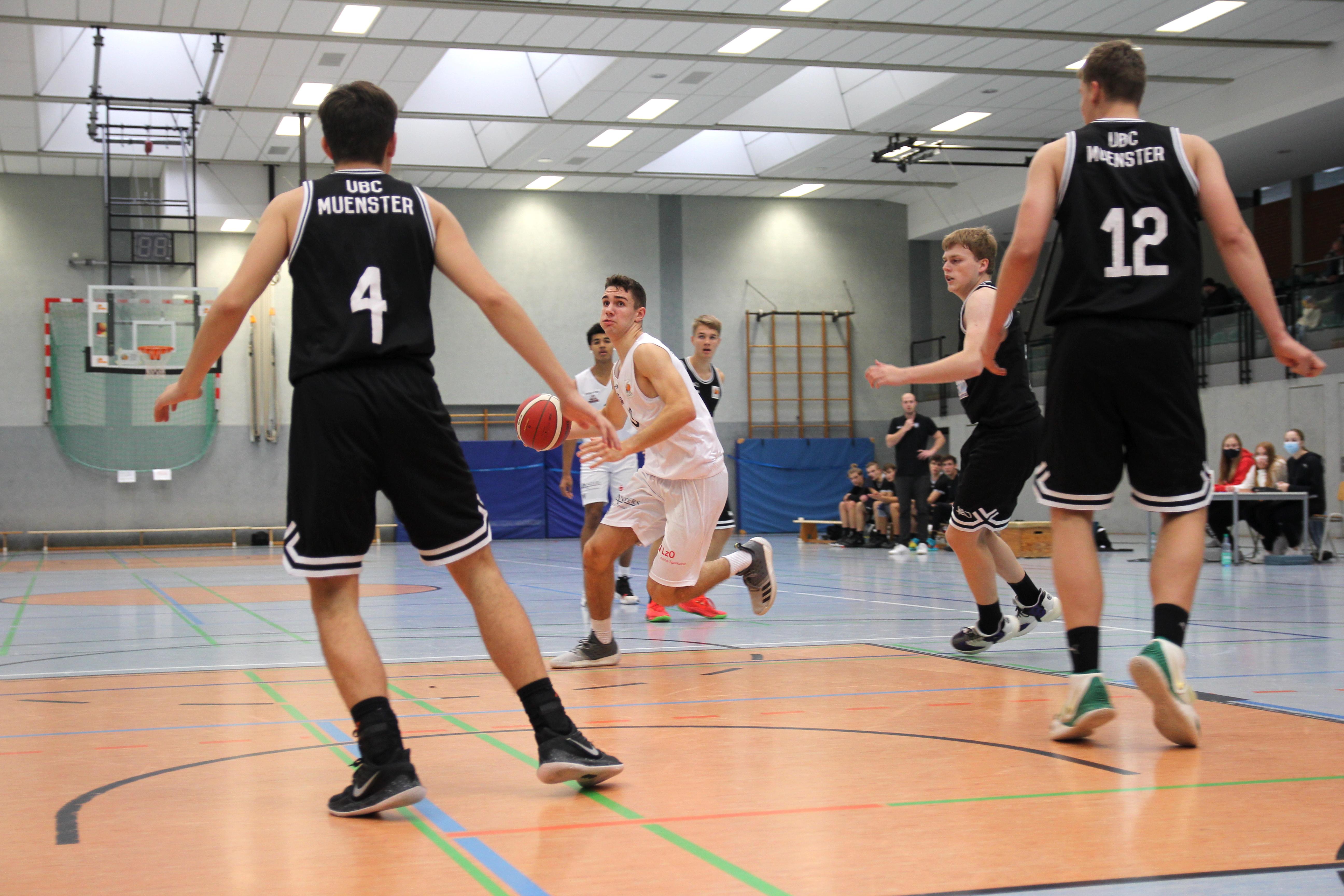 NBBL_20-21_YOUNG-RASTA-DRAGONS_Münster_Spieltag1_Noah-Jänen