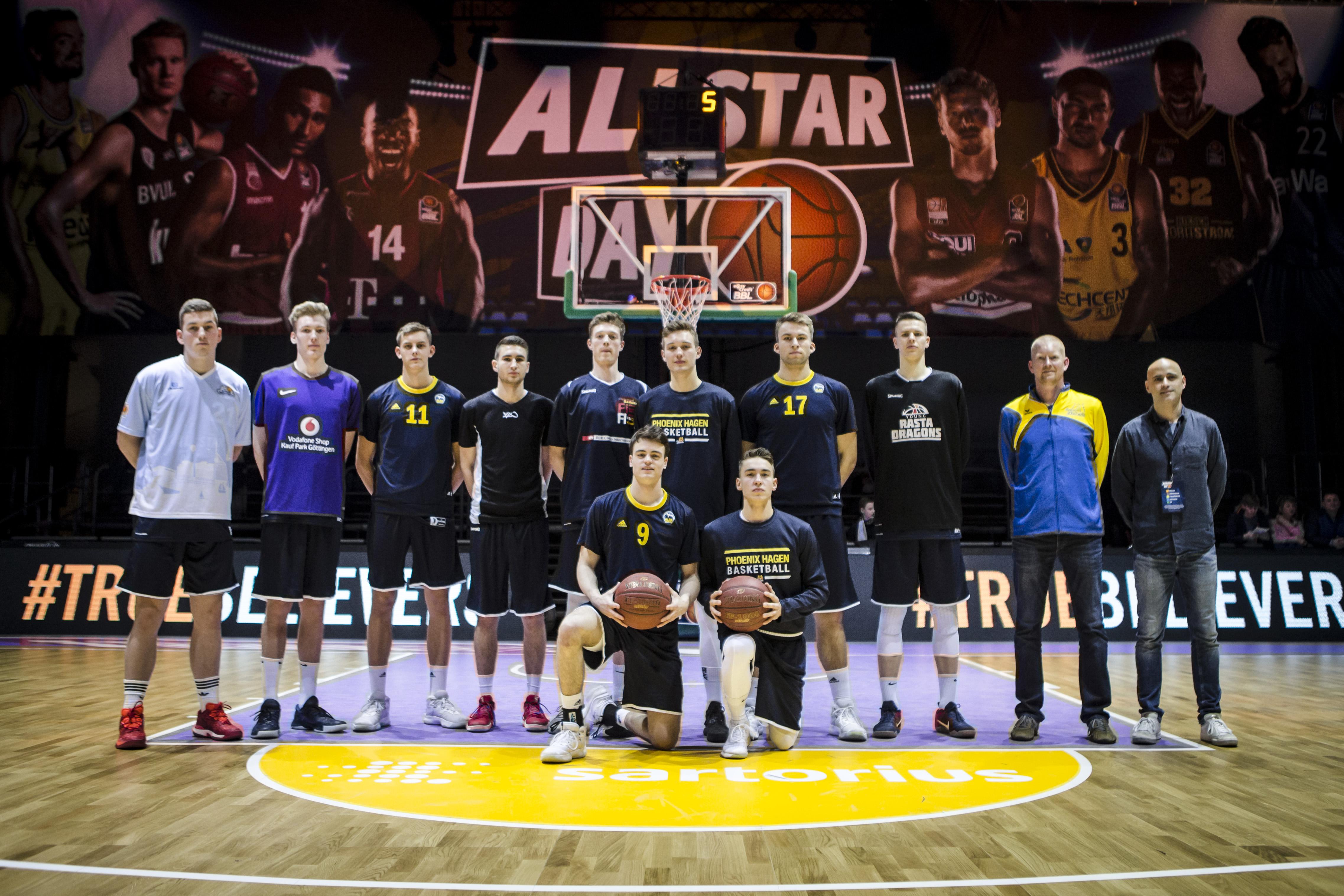 Team Nord während des NBBL ALLSTAR GAME im Rahmen des easyCredit BBL ALLSTAR Day in der Lokhalle Göttingen. Foto: Sven Kuczera