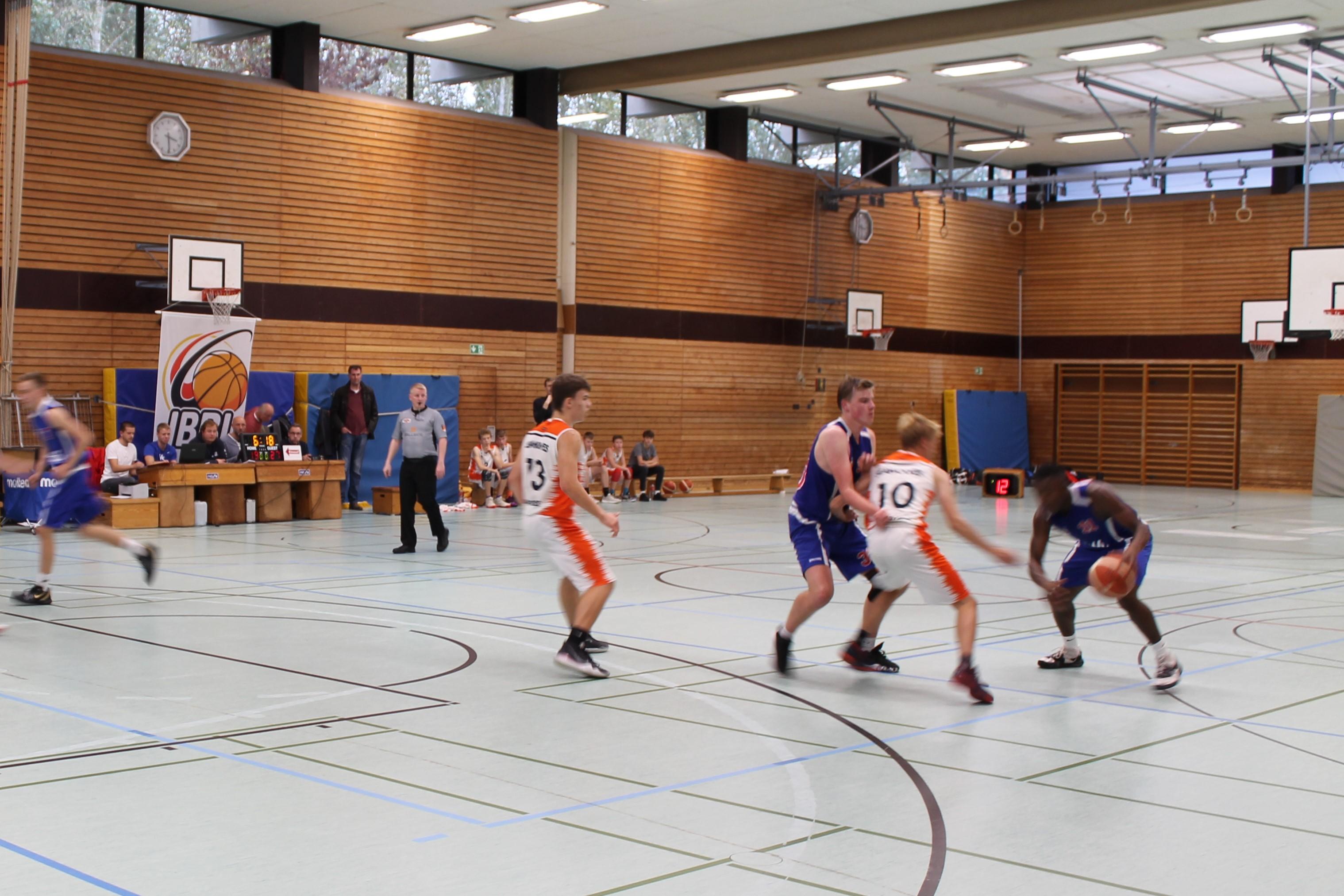 JBBL_19-20_BalticSeaLions_Rostock_Spieltag1_11azodiro_30wulf_pick_and_role