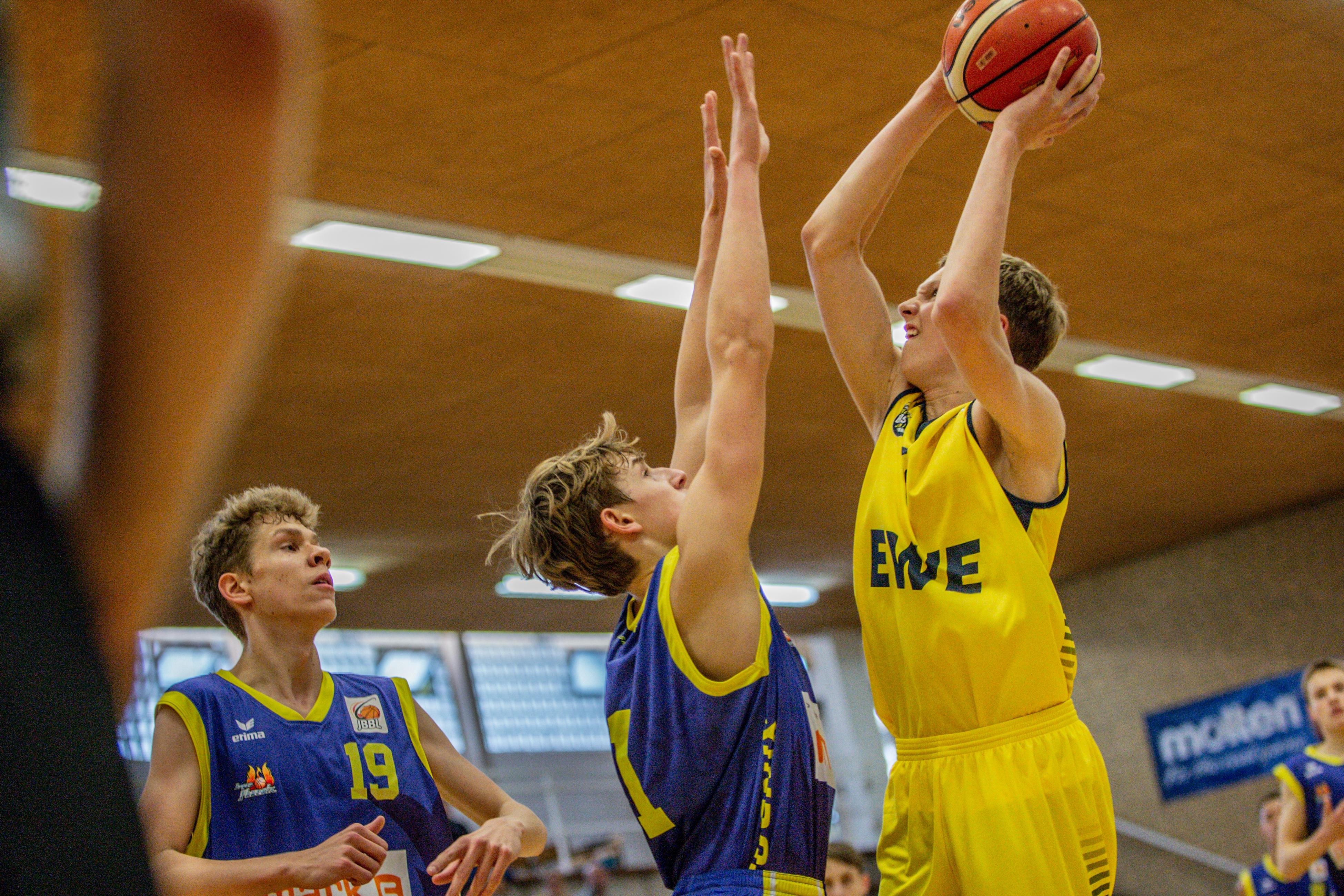 13.10.2019, Oldenburg, Sporthalle Haarenufer: JBBL | EWE Baskets Juniors - Phoenix Hagen Youngsters  //  Renke HILLMER (#5 EWE Baskets Juniors/JBBL)  || Foto: Erik Hillmer