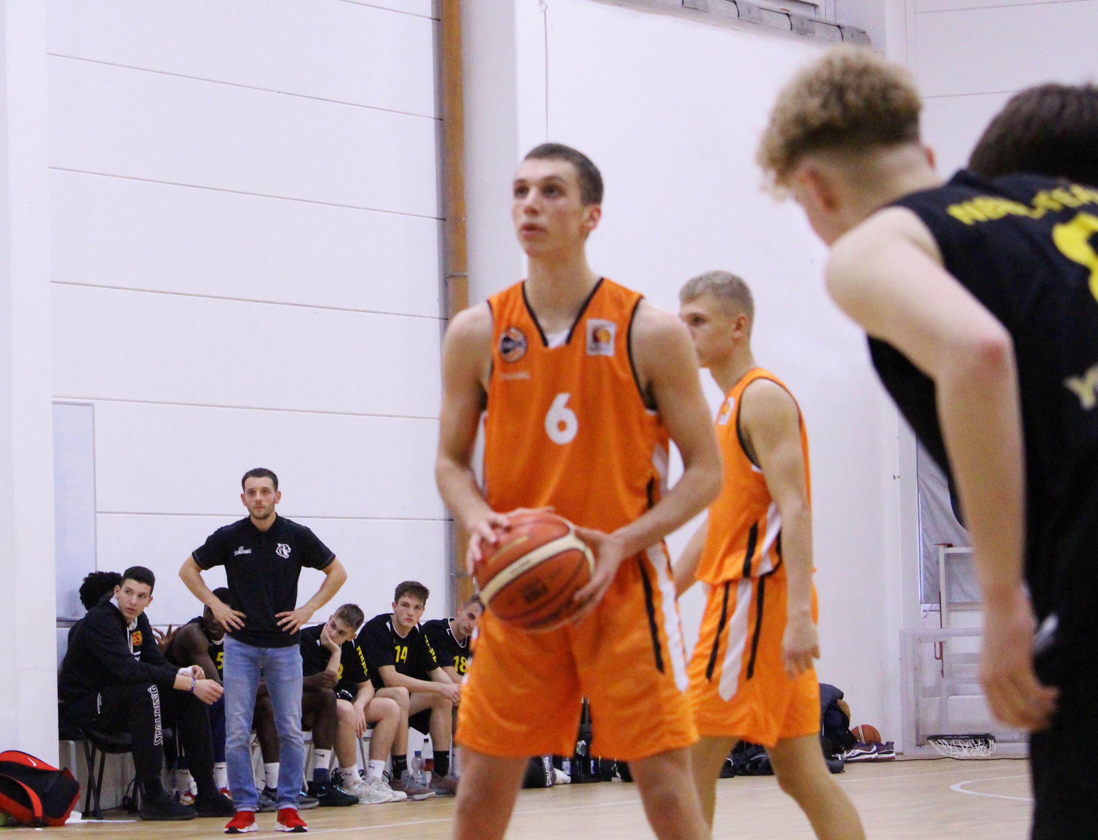 NBBL_19-20_OrangeAcademy_Young-Tigers-Tübingen_Spieltag3_Aleksa-Bulajic-3