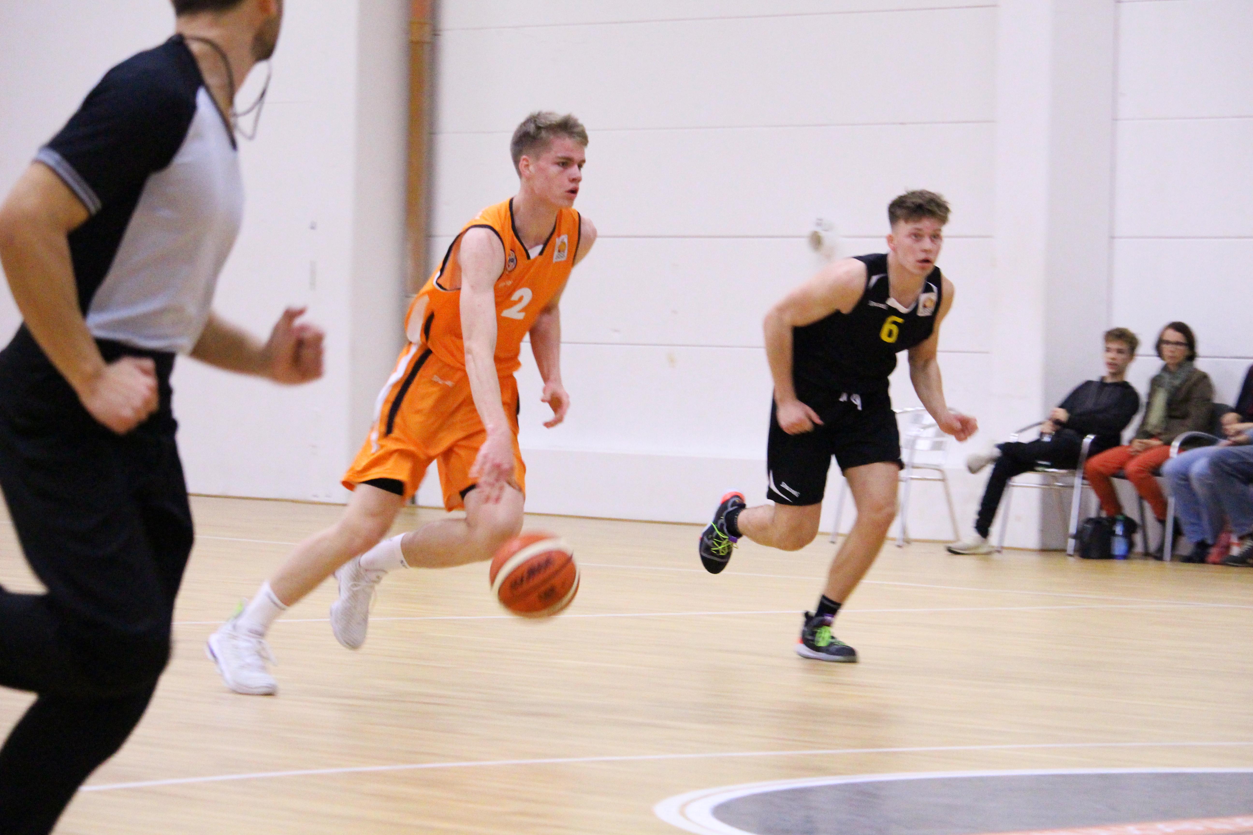 NBBL_19-20_OrangeAcademy_Young-Tigers-Tübingen_Spieltag3_Konrad-Stark-2