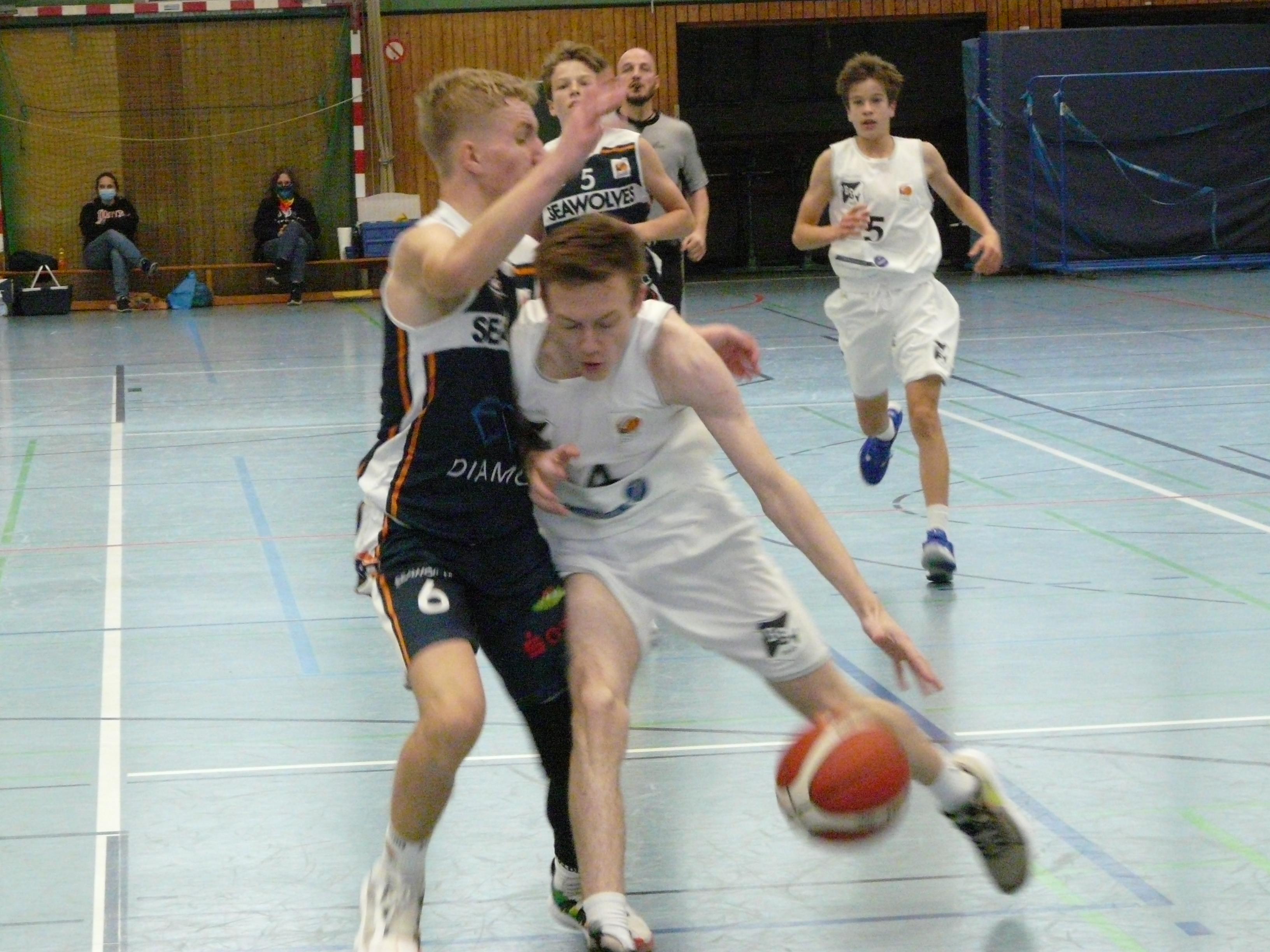 JBBL_20-21_Bramfeld_Rostock_Spieltag1_Robert_Petersen2