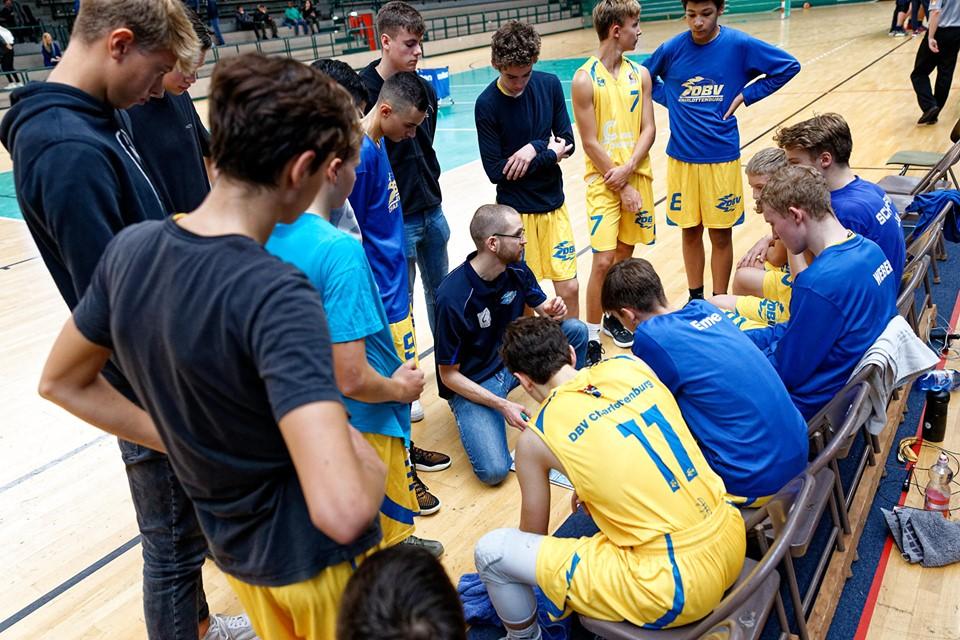 JBBL_19-20_DBV-Charlottenburg_Alba_Spieltag4_Auszeit