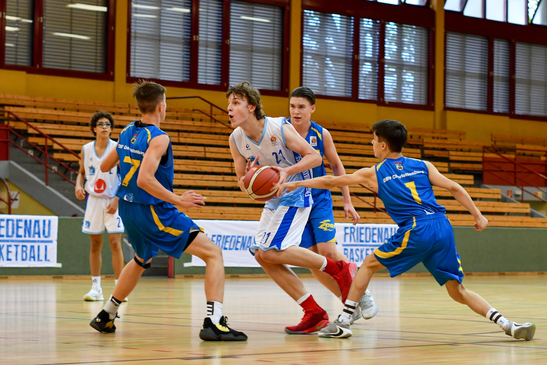 JBBL_20-21_Friendauer-TSC_DBV-Charlottenburg_Spieltag2_21_Leonard-Pelzer